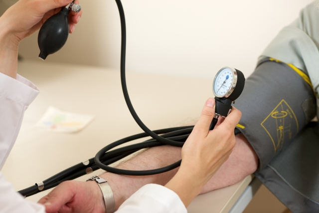 血圧の下が高い時の食事と運動での改善方法まとめ