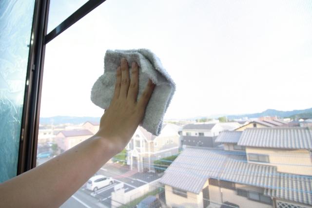 大掃除の網戸の洗い方!簡単に汚れを落とすコツと便利グッズを紹介!