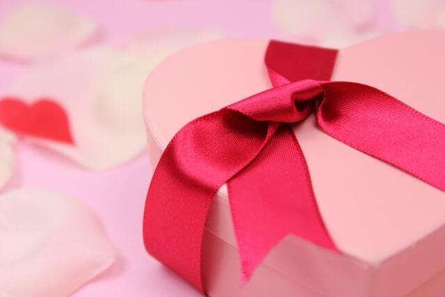 バレンタインのラッピング!家にあるものを使って可愛く包む方法は?