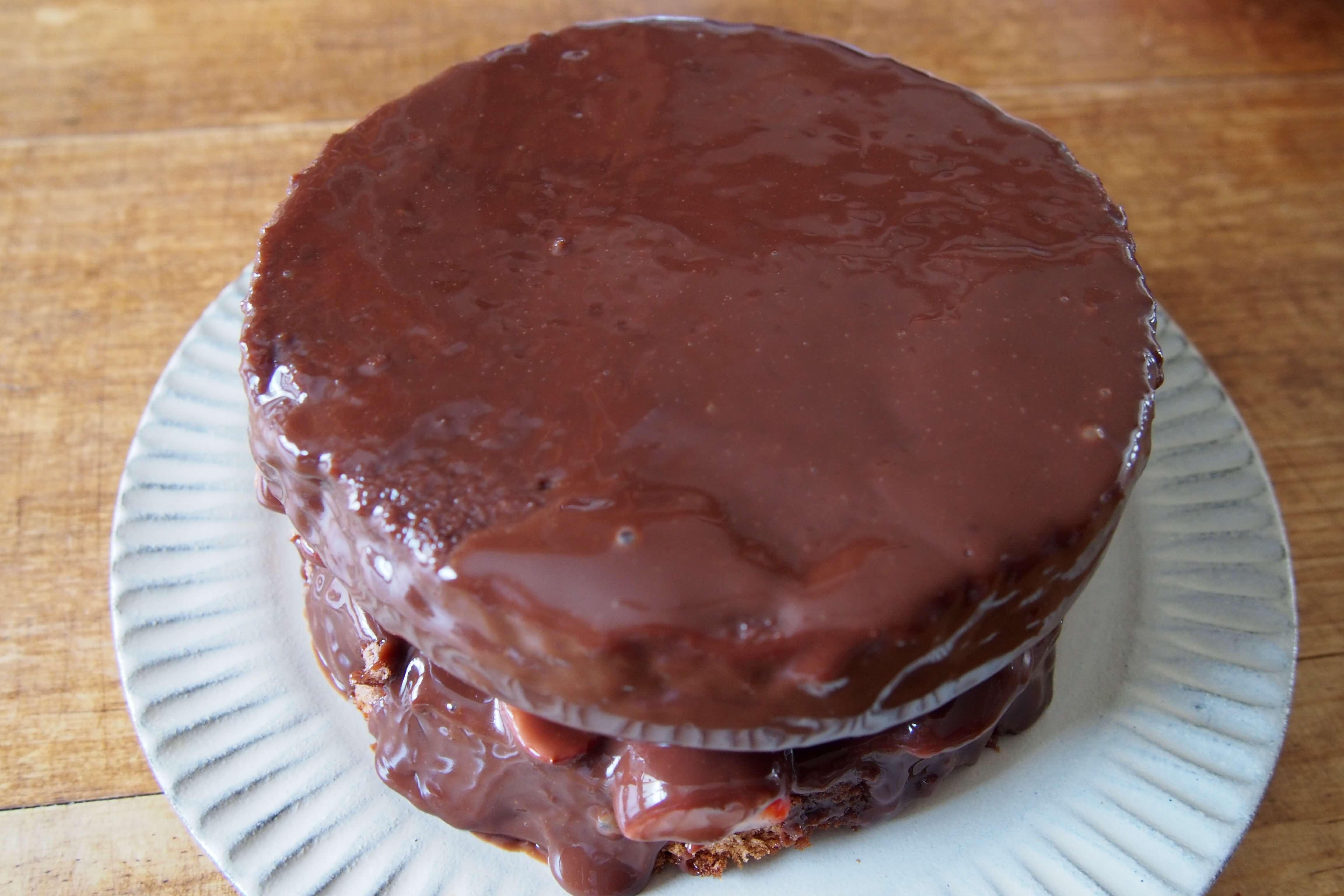 チョコレートケーキのコーティングのやり方!初心者でもうまくいくコツは?