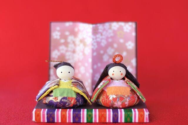 ひな祭りパーティーの飾りつけアイデア。折り紙や100均で簡単に♪