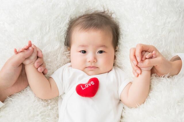 父の日に赤ちゃんからプレゼント!一生の思い出に残るアイデア3選